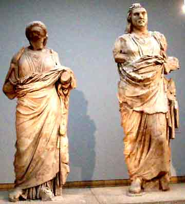 Statues reminiscent of the Dual Entities, photo taken in the British Museum by Jim McPherson in 2005